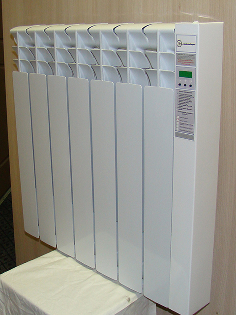 Шестисекционный радиатор с программируемым таймером.
